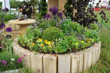 16-flower-bed-ideas-homebnc