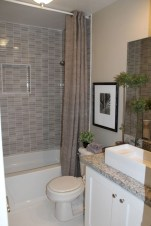 Adorable mosaic marble shower tile for your bathroom 16