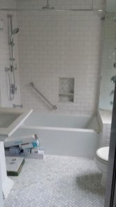 Adorable mosaic marble shower tile for your bathroom 20