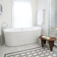Adorable mosaic marble shower tile for your bathroom 24