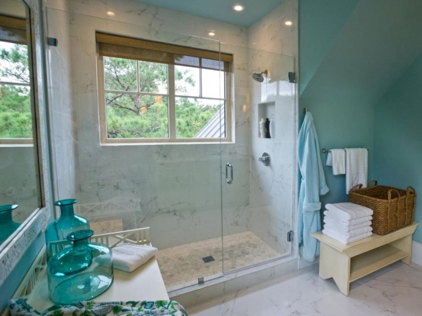 Adorable mosaic marble shower tile for your bathroom 27