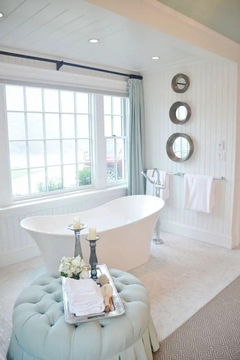 Amazing coastal retreat bathroom inspiration 13