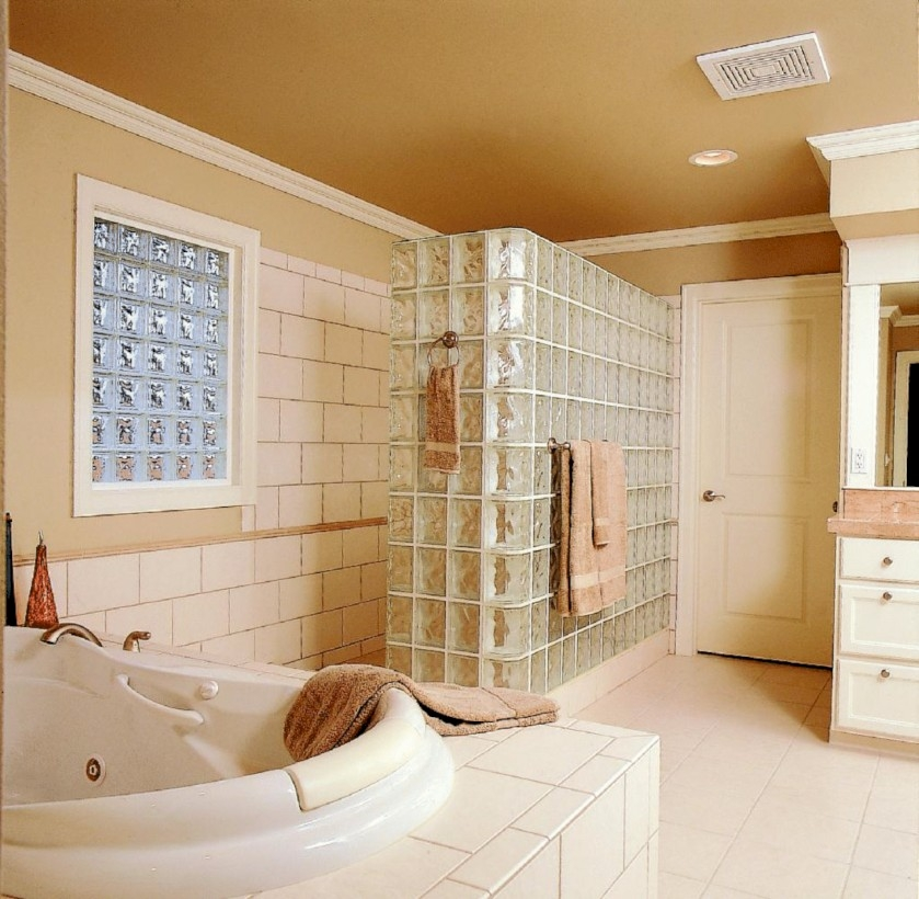 Amazing doorless shower design ideas 11
