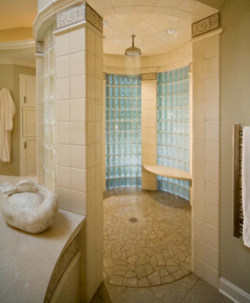 Amazing doorless shower design ideas 12