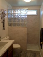 Amazing glass brick shower division design ideas 26