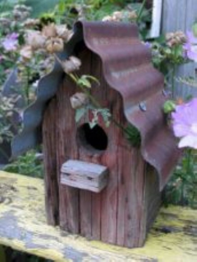 Awesome outdoor junk garden to reuse your old stuff 13