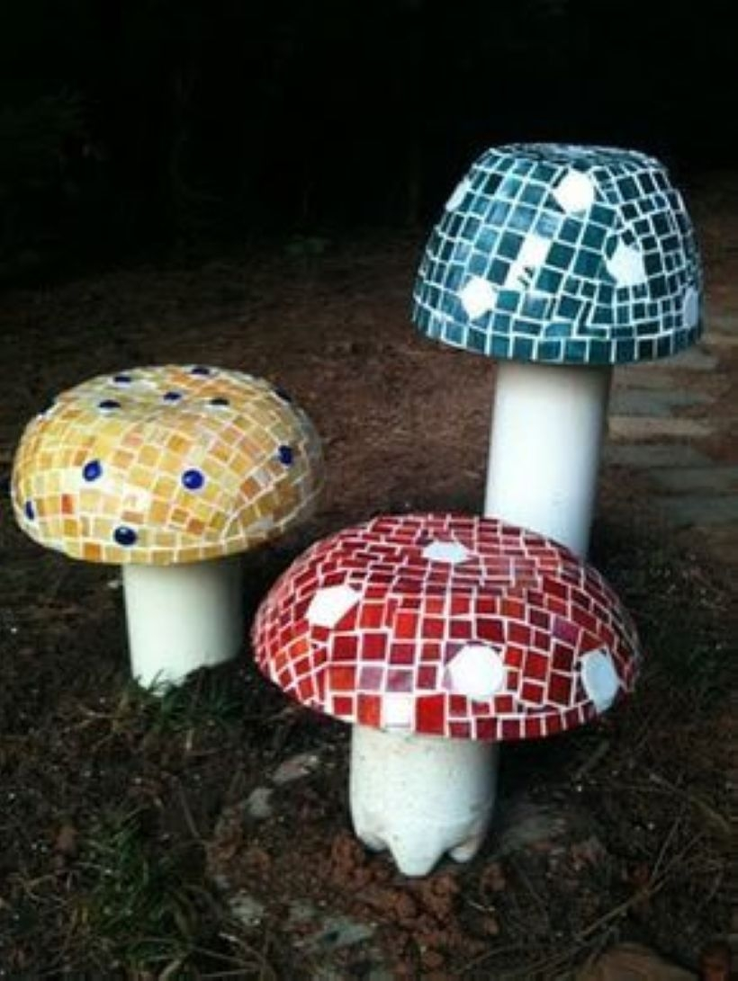 Awesome outdoor junk garden to reuse your old stuff 22