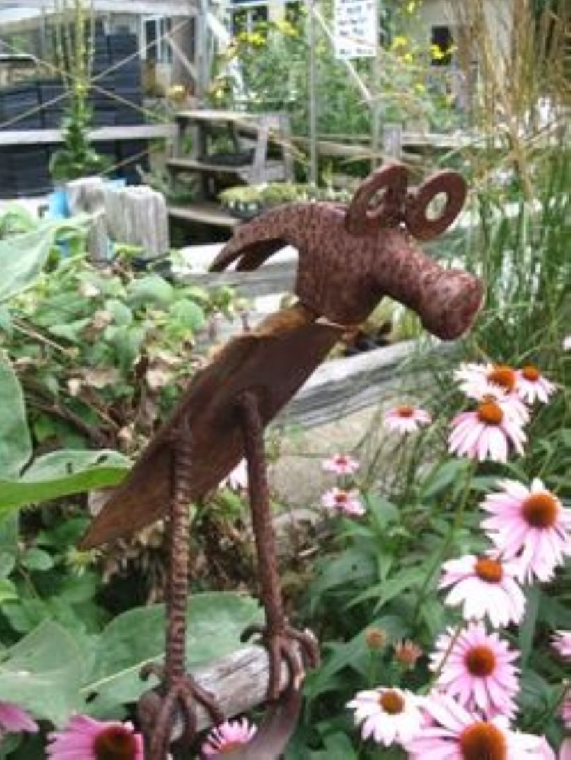 Awesome outdoor junk garden to reuse your old stuff 29