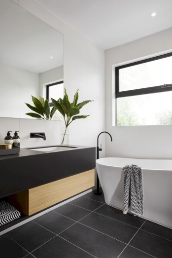Bathtub and shower tile ideas to beautify your bathroom 28