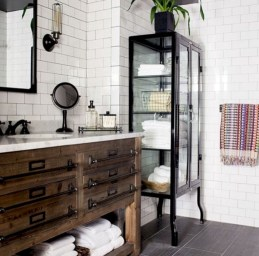 Bathtub and shower tile ideas to beautify your bathroom 32