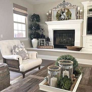 Beautiful living room design ideas with mirror 01