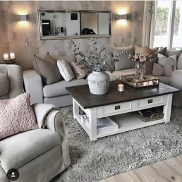 Beautiful living room design ideas with mirror 11