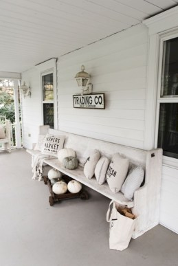 Beautiful porch ideas that will add value your home 24