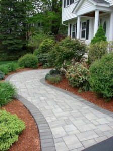 Best garden walkway to envy your visitor 08