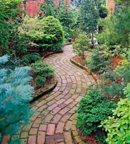 Best garden walkway to envy your visitor 16