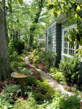 Best garden walkway to envy your visitor 37