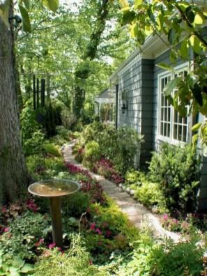 Best garden walkway to envy your visitor 37
