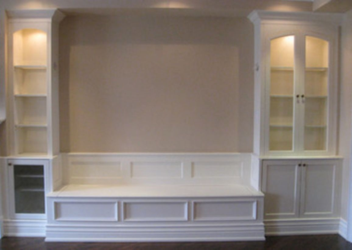 Built-in bench for your basement design ideas 04