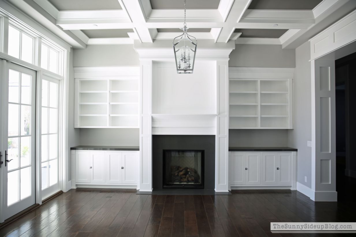 Built-in bench for your basement design ideas 13