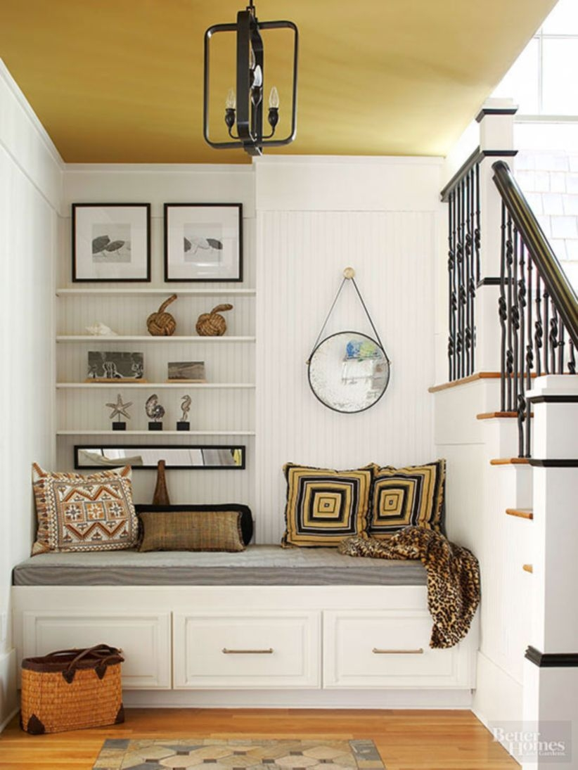 Built-in bench for your basement design ideas 36
