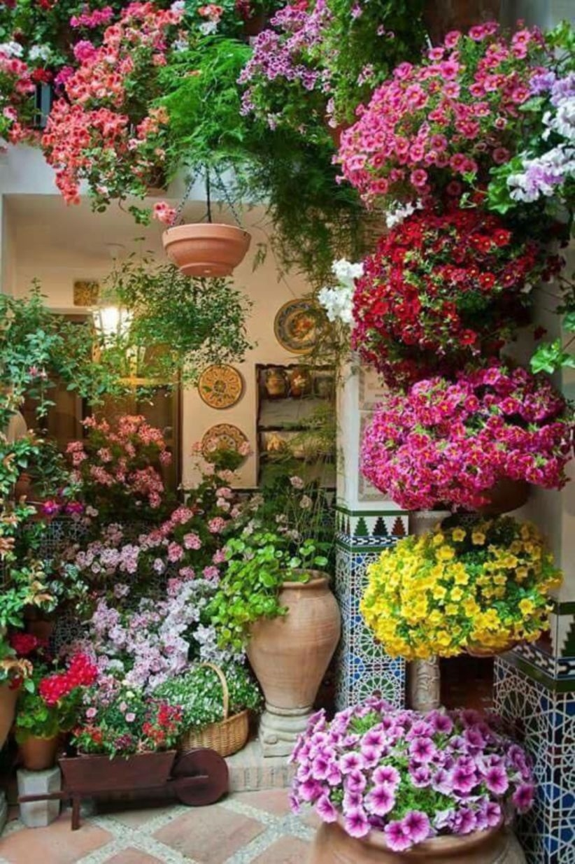 Charming outdoor hanging planters ideas to brighten your yard 01