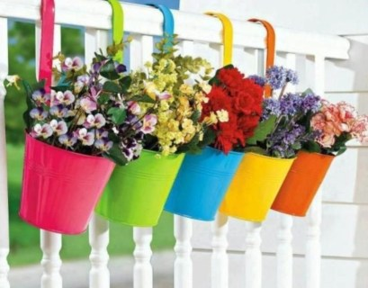 Charming outdoor hanging planters ideas to brighten your yard 17