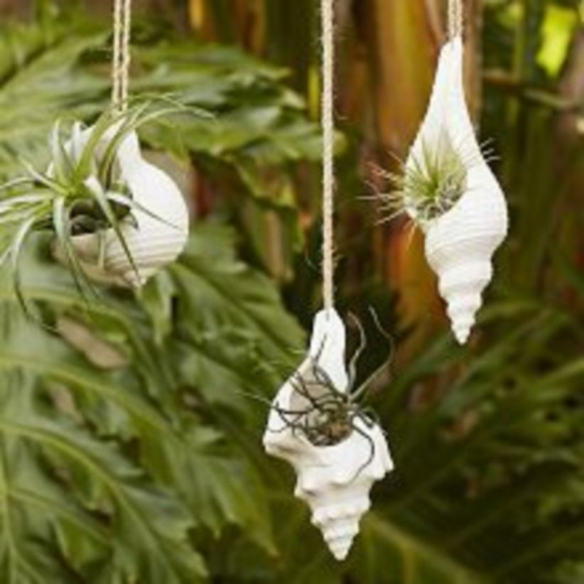 Charming outdoor hanging planters ideas to brighten your yard 34