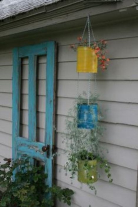 Charming outdoor hanging planters ideas to brighten your yard 40