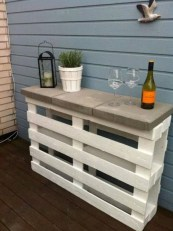Easy pallet furniture projects for beginners 34