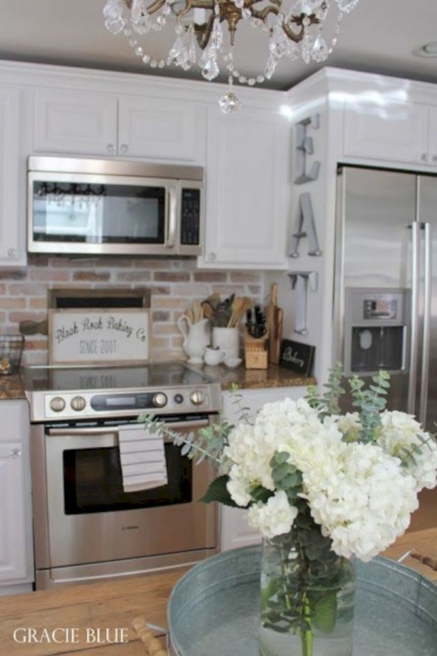 Fabulous small kitchen ideas with farmhouse style 08