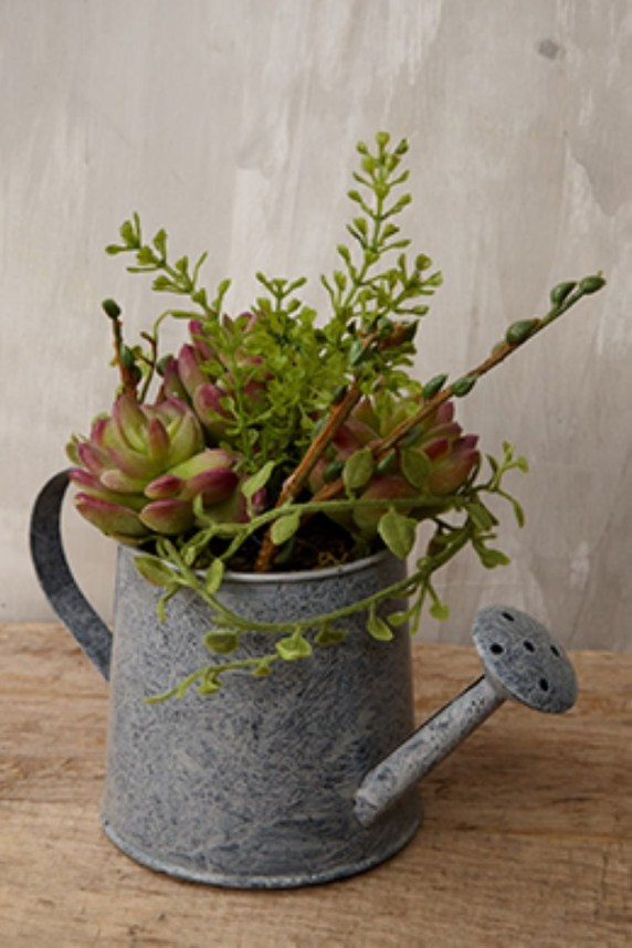 Faux cactus and succulent projects and ideas to decorate your home 32