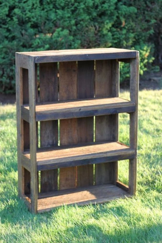 Furniture pallet projects you can diy for your home 25