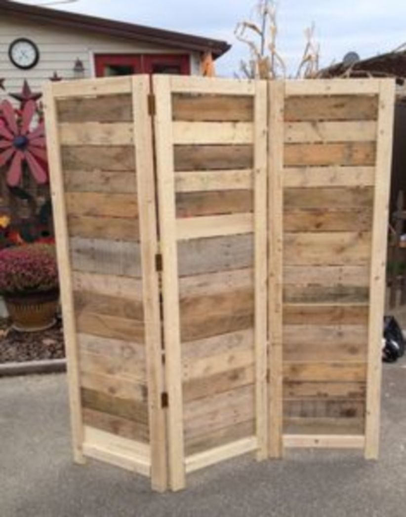 Furniture pallet projects you can diy for your home 36