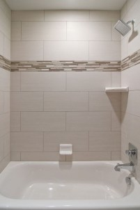 Half wall shower for your small bathroom design ideas 06