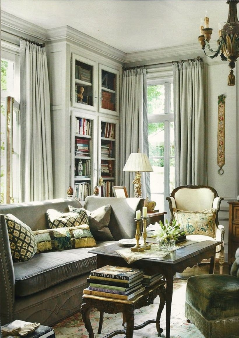 50 High Ceilings Accent Wall With Traditional And Classic