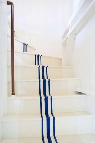 Painted staircase ideas which make your stairs look new 10