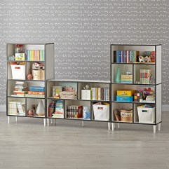 Pieces to create a stylish bookcase instantly 09