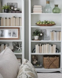 Pieces to create a stylish bookcase instantly 20