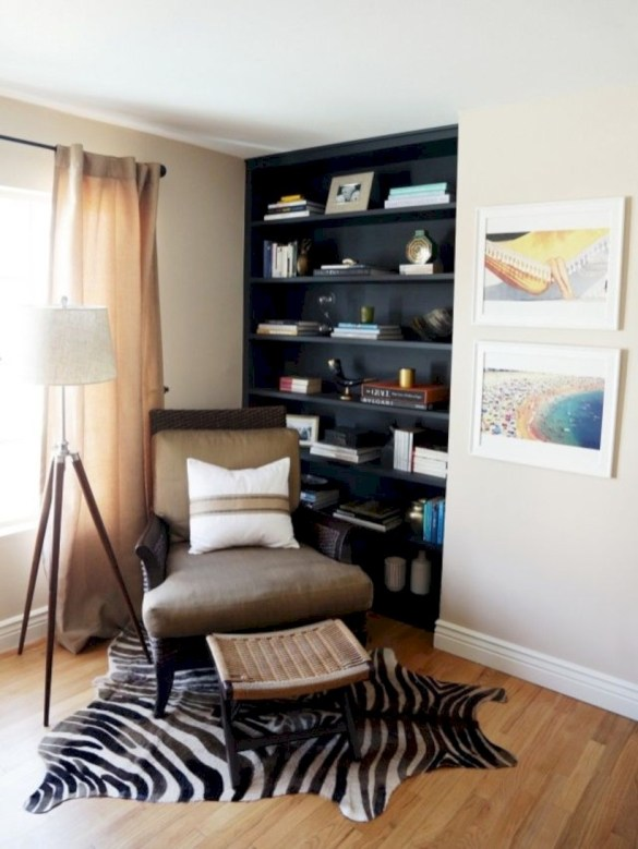 Pieces to create a stylish bookcase instantly 24