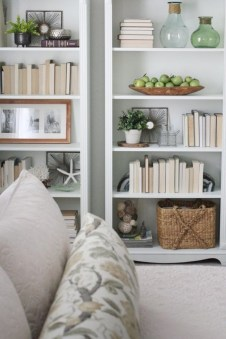 Pieces to create a stylish bookcase instantly 26
