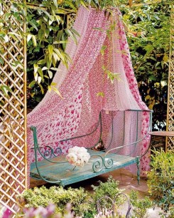 Shabby chic and bohemian garden ideas 03