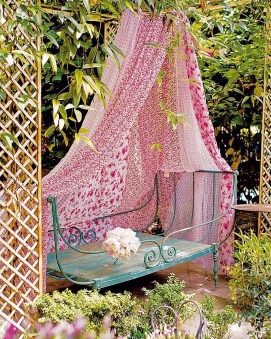 Shabby chic and bohemian garden ideas 03
