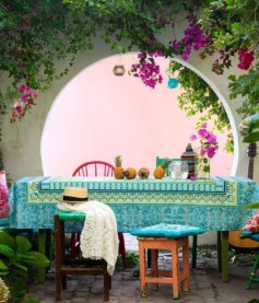 Shabby chic and bohemian garden ideas 19