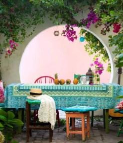 Shabby chic and bohemian garden ideas 19