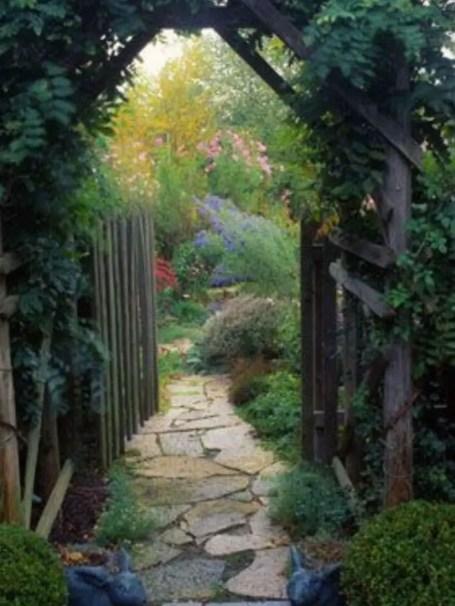 Shabby chic and bohemian garden ideas 23