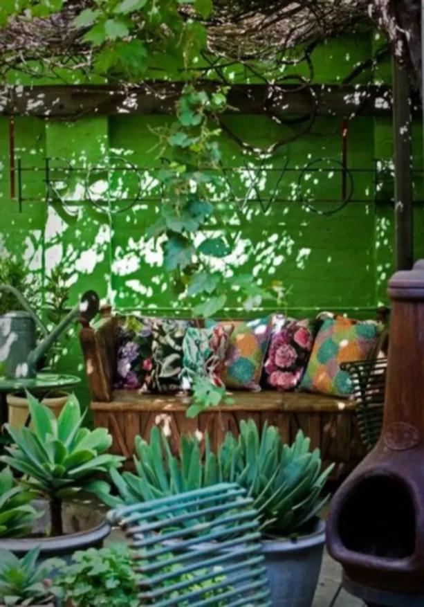Shabby chic and bohemian garden ideas 24