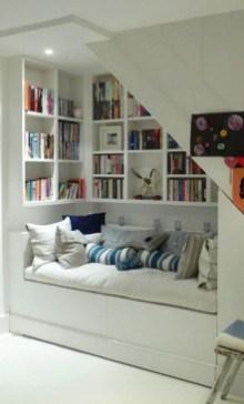 Stunning bookshelves ideas for bedroom decoration 08