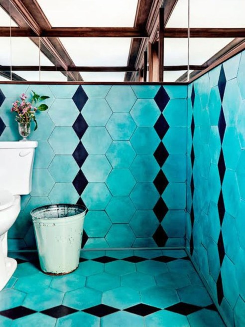 Stunning mosaic tiled wall for your bathroom 02