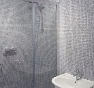Stunning mosaic tiled wall for your bathroom 13