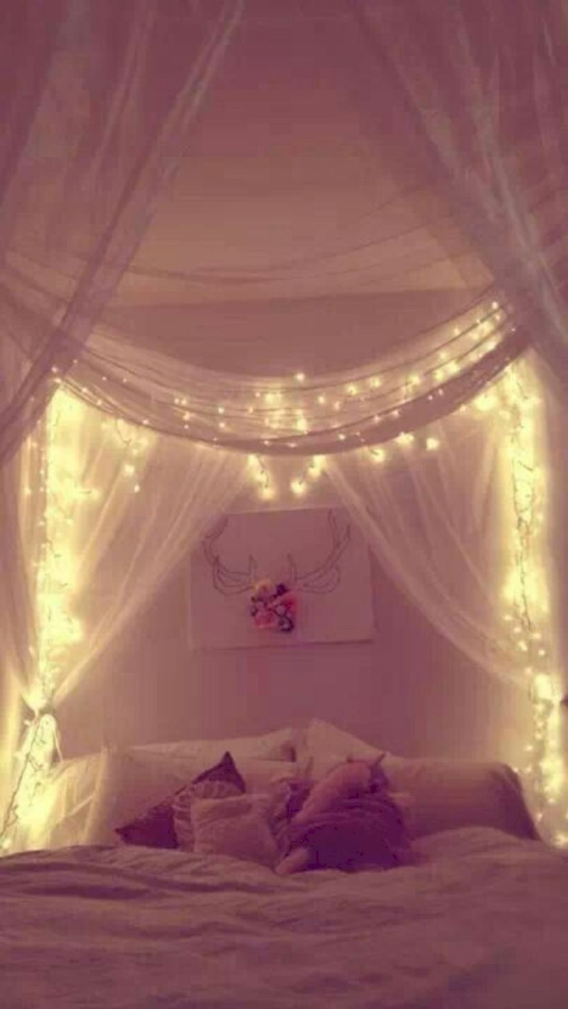 Twinkly Ways To Light Up Your Home With Christmas Fairy Light - Twinkly bedroom lights